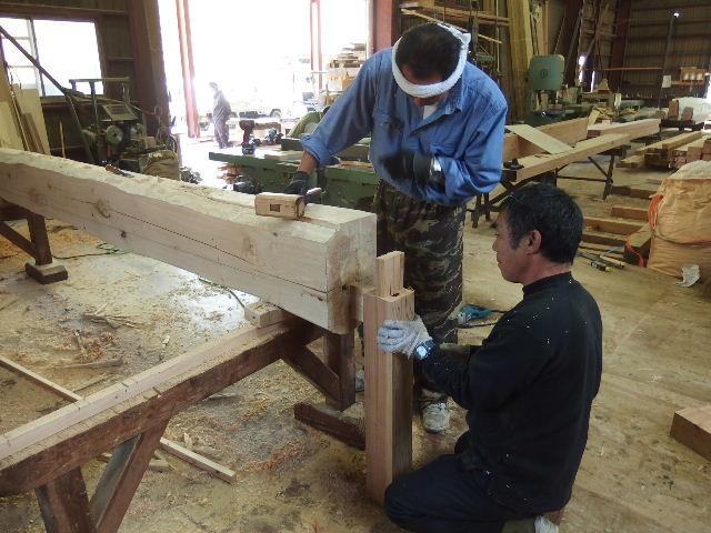 川井の家 大工の墨付けが進行中。_f0105112_6404358.jpg