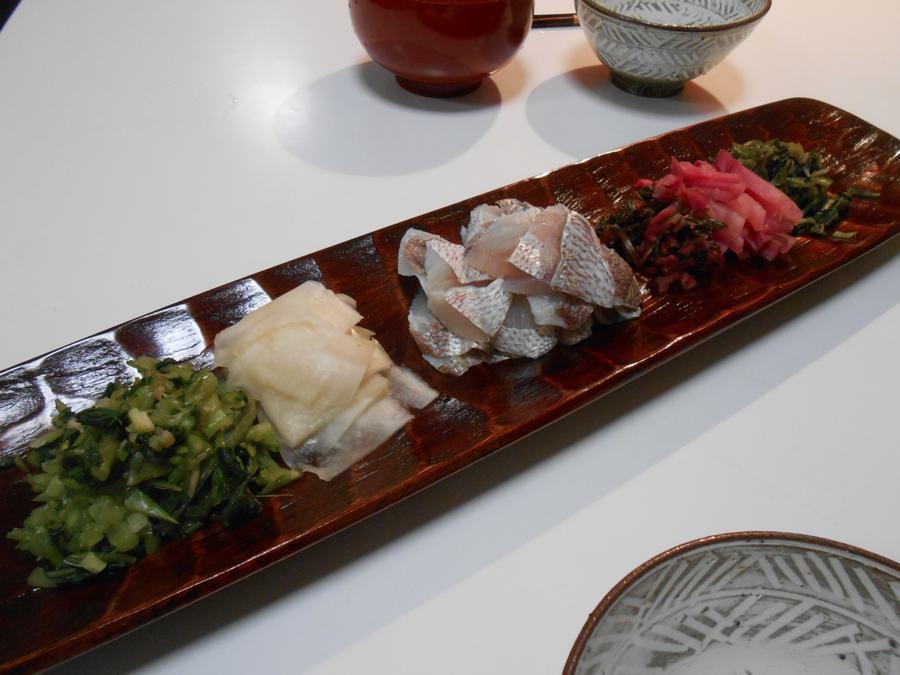 日本海の荒天でとりともの鯛酢が買えなかったので…_a0095931_23463739.jpg