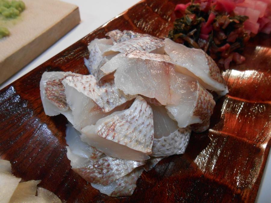 日本海の荒天でとりともの鯛酢が買えなかったので…_a0095931_2347564.jpg