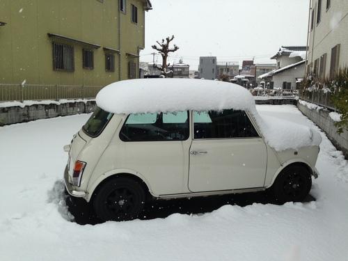 雪の散歩道_e0158970_1961423.jpg