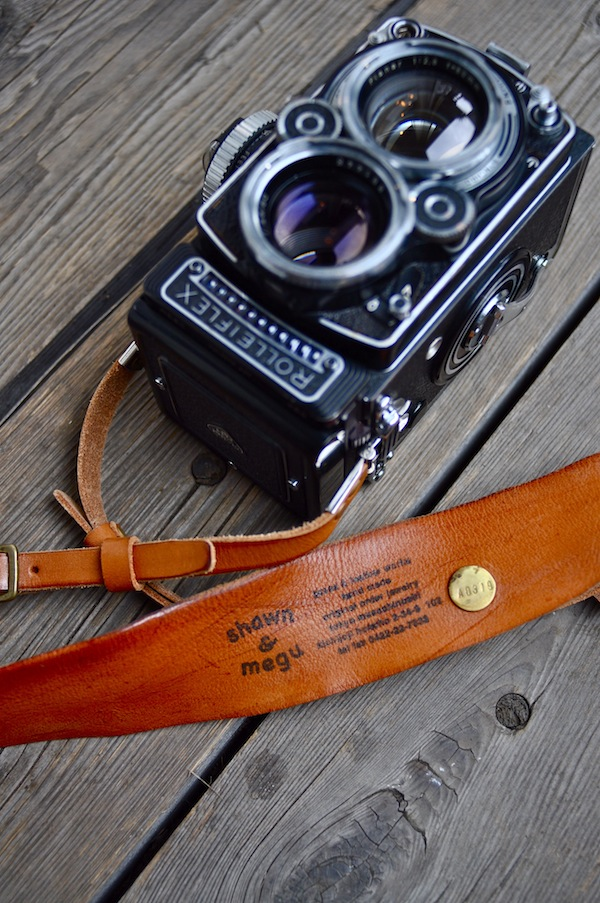 rolleiflex leather strap_b0172633_21185331.jpg