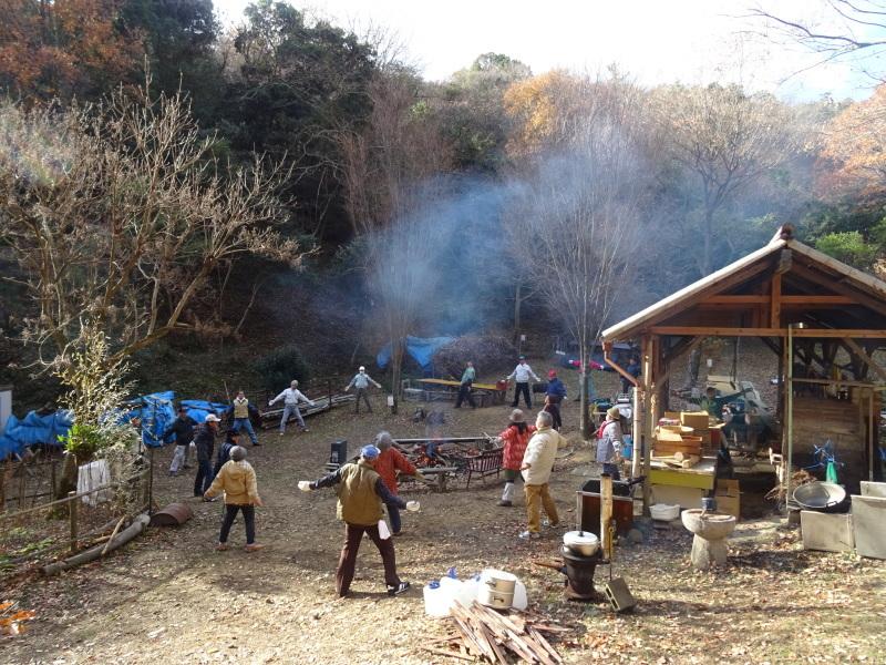 餅つき望年会  in   孝子の森_c0108460_23325826.jpg
