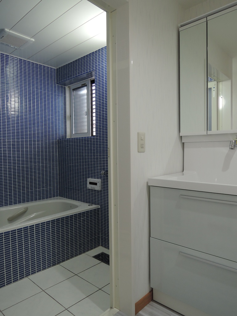 洗面室_b0153776_20221668.jpg