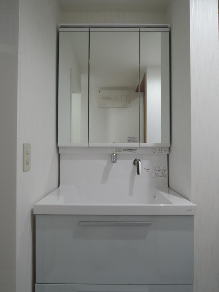 洗面室_b0153776_20231294.jpg
