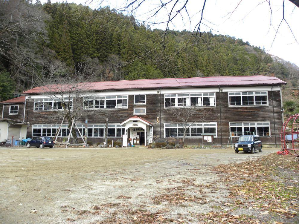 懐かしの校舎・木沢小学校_b0329588_11432021.jpg