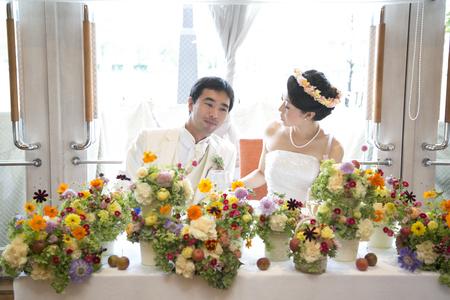 秋の装花 結婚式、楽しく過ごした一日に 雨上がり オレアジ様へ_a0042928_1944314.jpg