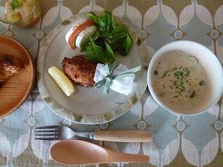 breakfast    フライドチキンとクロワッサンと♪_a0165160_06332742.jpg