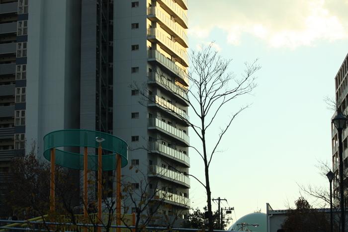 荒川区汐入公園前の某マンション。。。_a0214329_10395879.jpg
