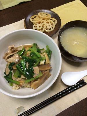 小松菜と豚肉のまかない丼_d0235108_19571817.jpg