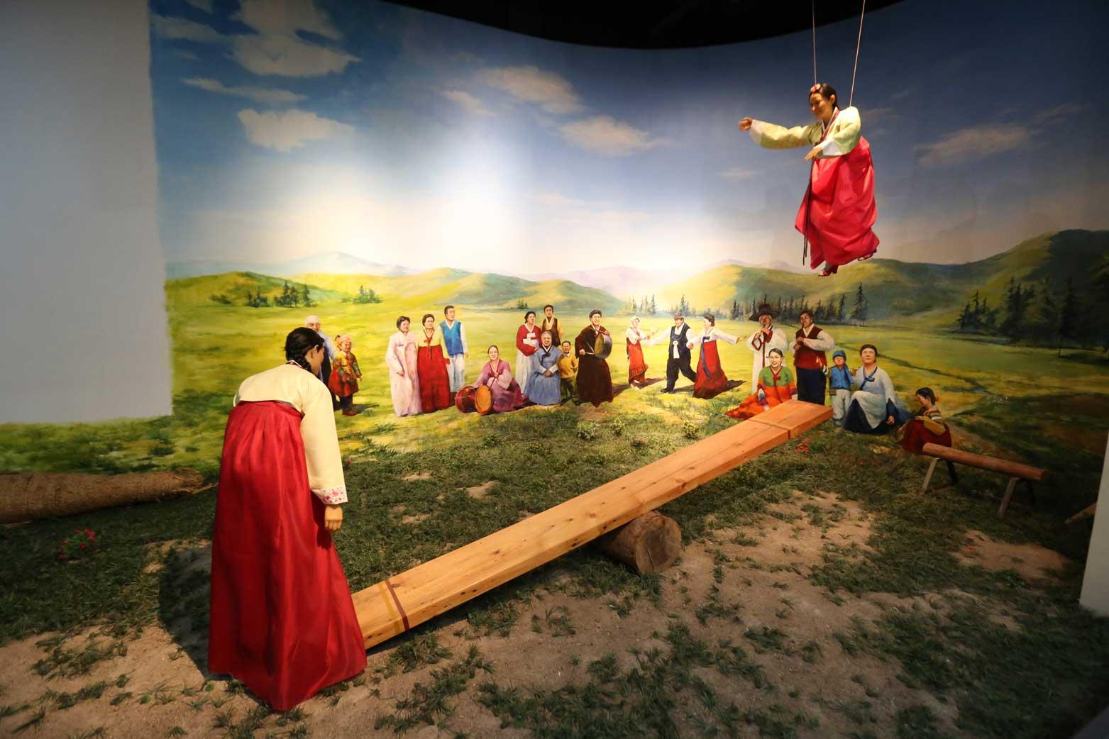 延辺朝鮮族自治州60周年にできた延辺博物館と朝鮮族の冷めた関係_b0235153_11291928.jpg
