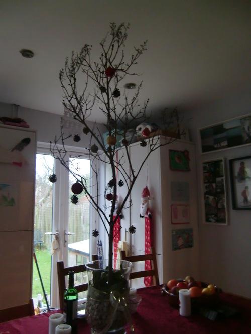 クリスマスが明けた、仕事場は …_c0027188_5524698.jpg