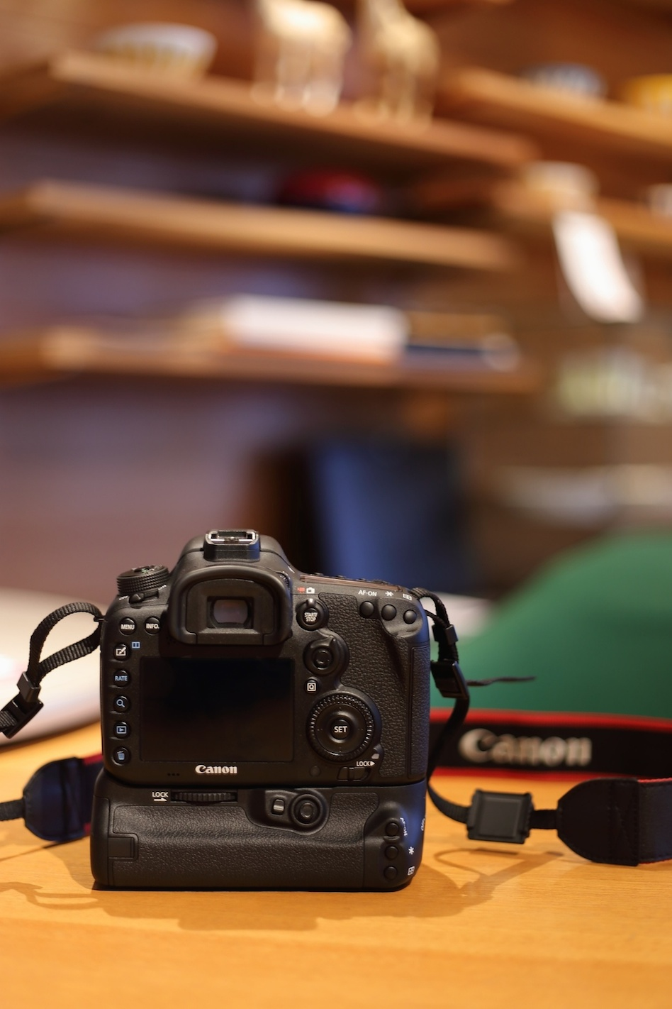 Canon EOS 7D Mark II GET BG(バッテリーグリップ)キャンペーン_d0081605_1433289.jpg