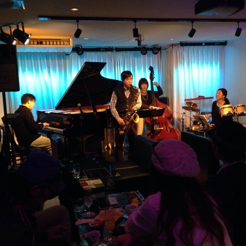 Jazzlive comin(ジャズライブ カミン)30日 本日はセッション_b0115606_10420749.jpg