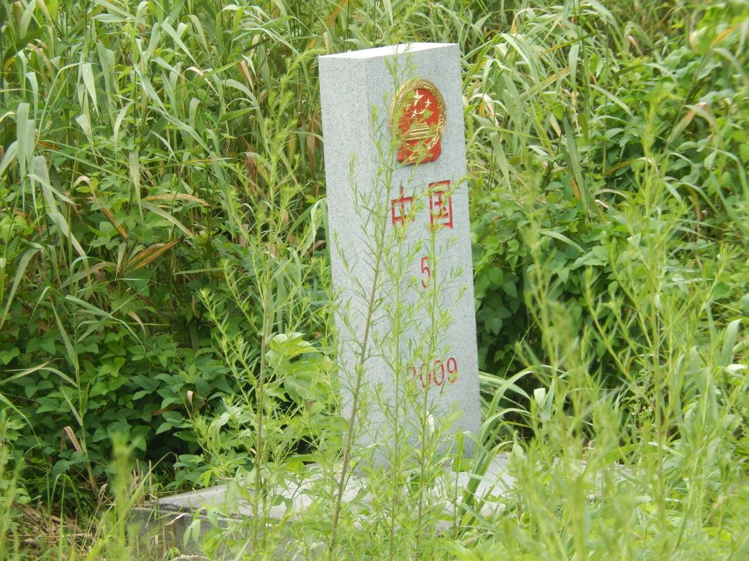 中朝共同開発の工業団地「黄金坪」はいまだ停滞中_b0235153_1310277.jpg