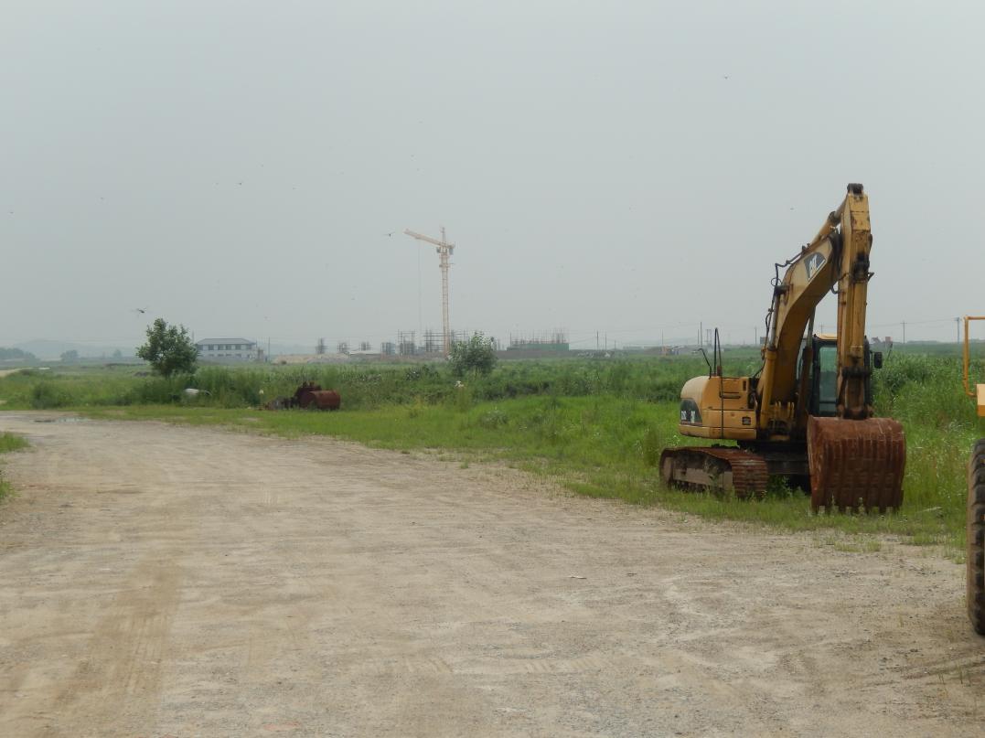 中朝共同開発の工業団地「黄金坪」はいまだ停滞中_b0235153_1385335.jpg