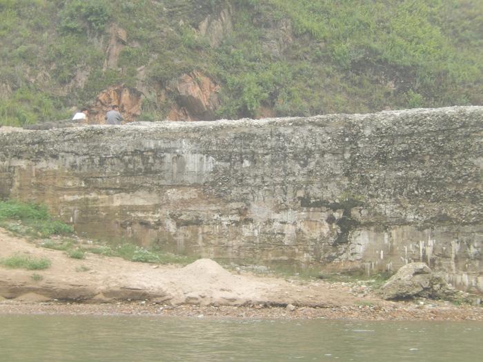 いま中朝国境で最もスリリングな遊覧ボートの旅(天逸埠頭)_b0235153_17104154.jpg