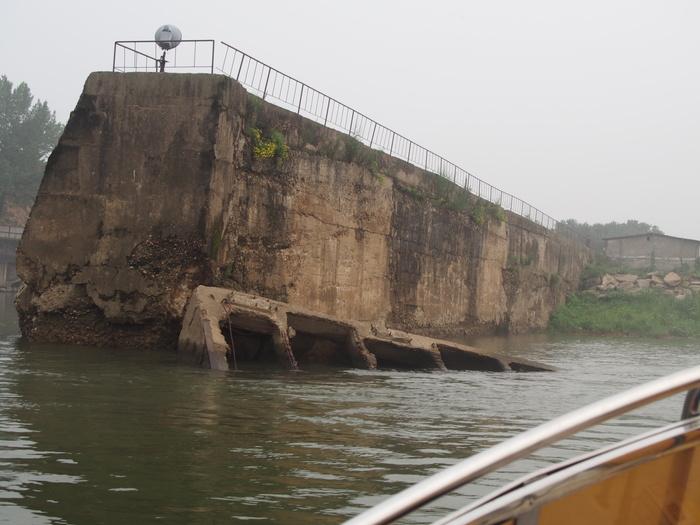 いま中朝国境で最もスリリングな遊覧ボートの旅(天逸埠頭)_b0235153_17105854.jpg