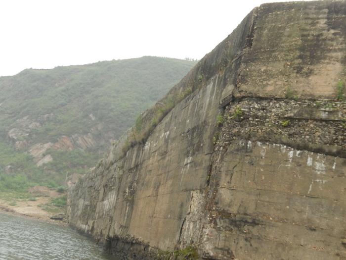 いま中朝国境で最もスリリングな遊覧ボートの旅(天逸埠頭)_b0235153_17112540.jpg