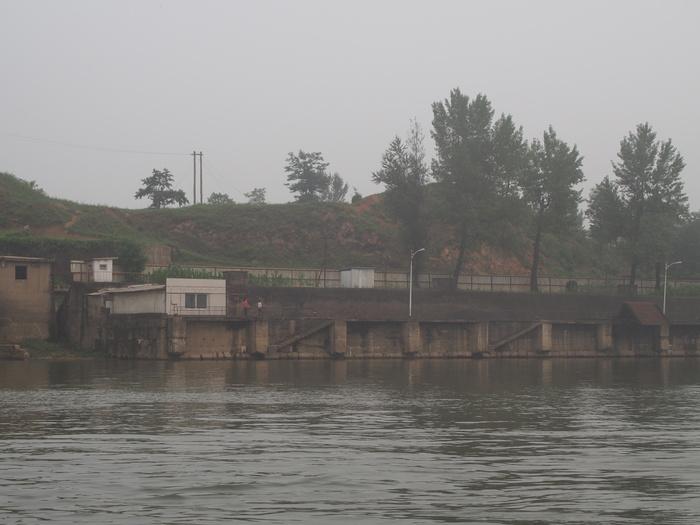 いま中朝国境で最もスリリングな遊覧ボートの旅(天逸埠頭)_b0235153_17123757.jpg