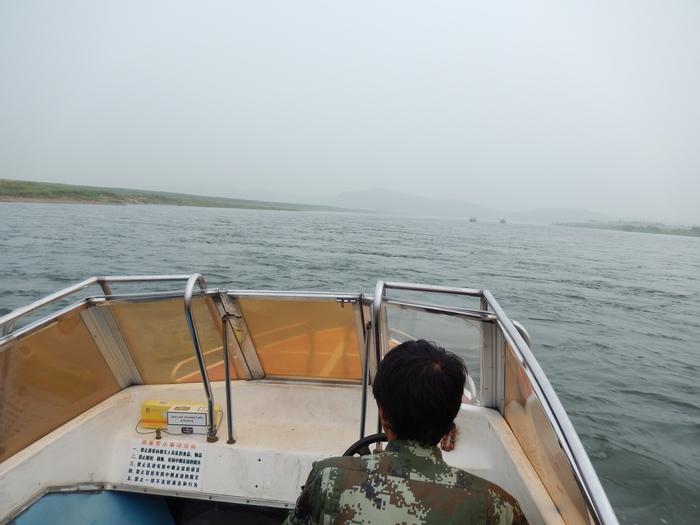 いま中朝国境で最もスリリングな遊覧ボートの旅(天逸埠頭)_b0235153_1784551.jpg