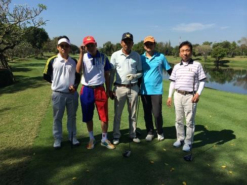 アルパイン・ゴルフコースで2日連続のプレー_b0100062_16511042.jpg