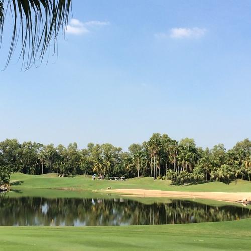 アルパイン・ゴルフコースで2日連続のプレー_b0100062_16522749.jpg