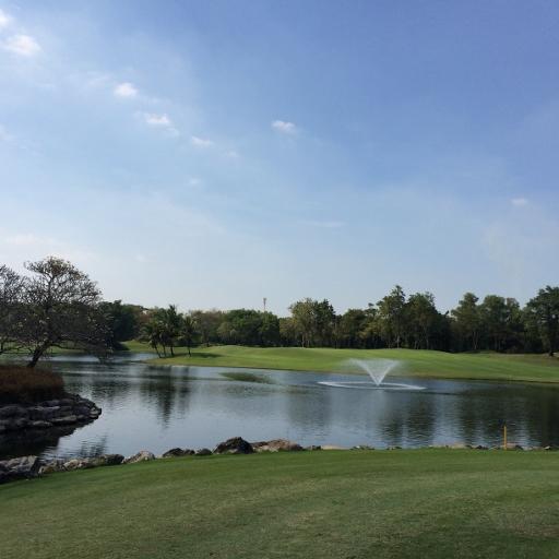 アルパイン・ゴルフコースで2日連続のプレー_b0100062_16524664.jpg
