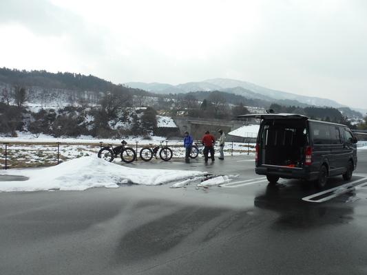ファットバイクで雪遊び 2014年12月_c0132901_9195086.jpg