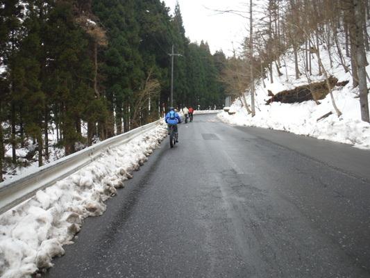 ファットバイクで雪遊び 2014年12月_c0132901_92022.jpg