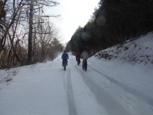 ファットバイクで雪遊び 2014年12月_c0132901_9205319.jpg