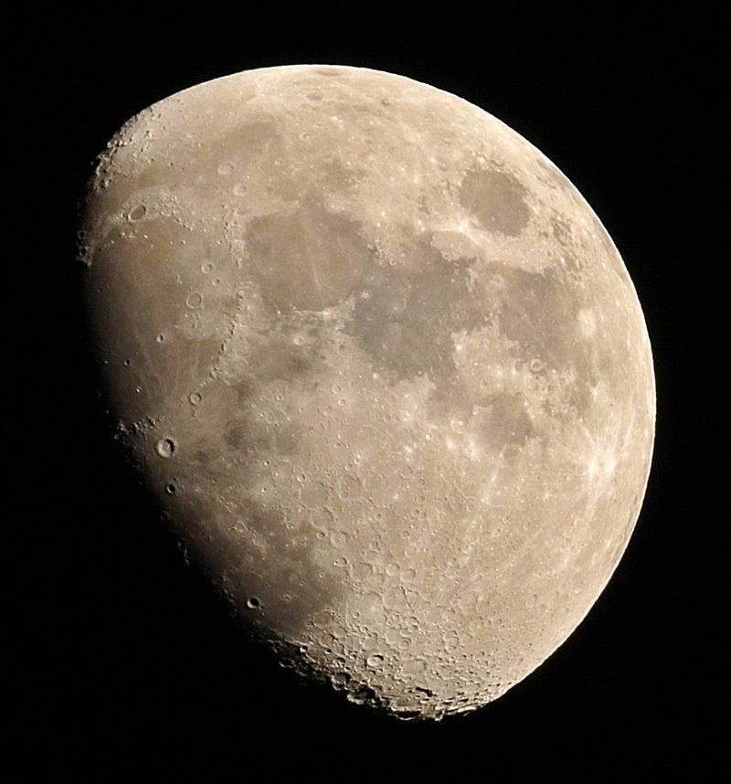 2014年最後の月(月齢9.3)_e0089232_17310930.jpg
