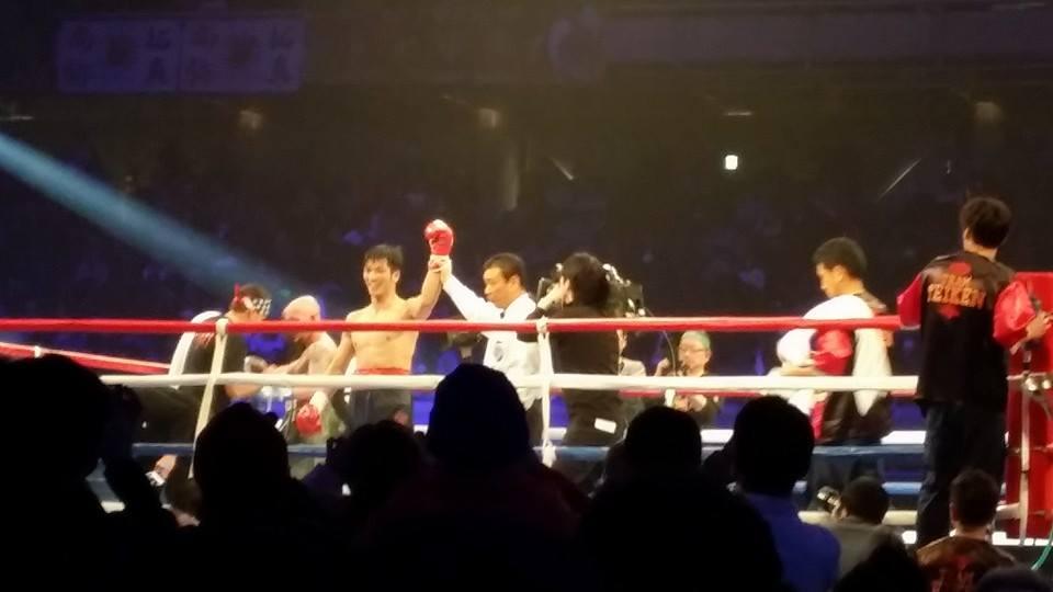 オリンピック金メダリスト村田選手の応援と、ボクシング世界タイトルマッチを観戦!_c0186691_026553.jpg