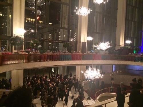 ニューイヤーズ・イブのメトロポリタン・オペラで、面白い現象・・_d0240098_21393926.jpg