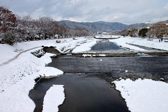 鴨川雪景色_e0048413_16522262.jpg