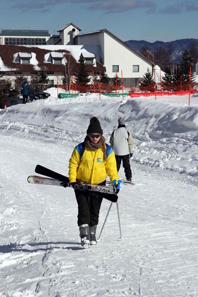 エレーナ、スキーをやってみた…_f0145483_21333489.jpg