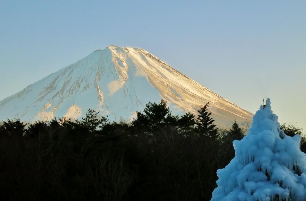 暮れゆく富士山_b0083801_23372104.jpg