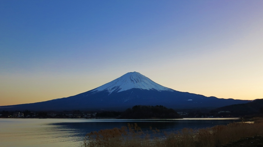 暮れゆく富士山_b0083801_23380179.jpg