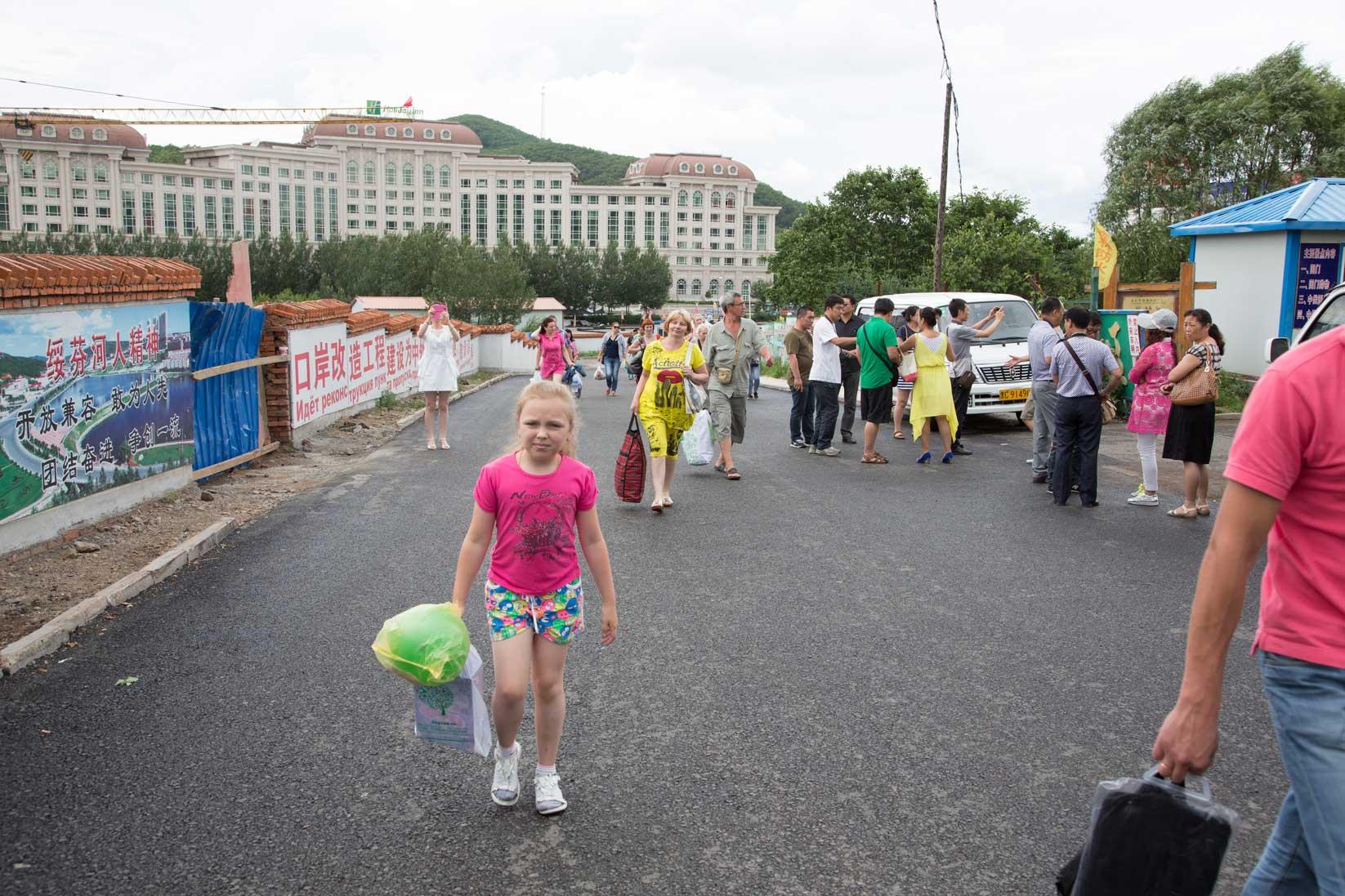 綏芬河の新国境ゲート建設は進行中_b0235153_17552522.jpg