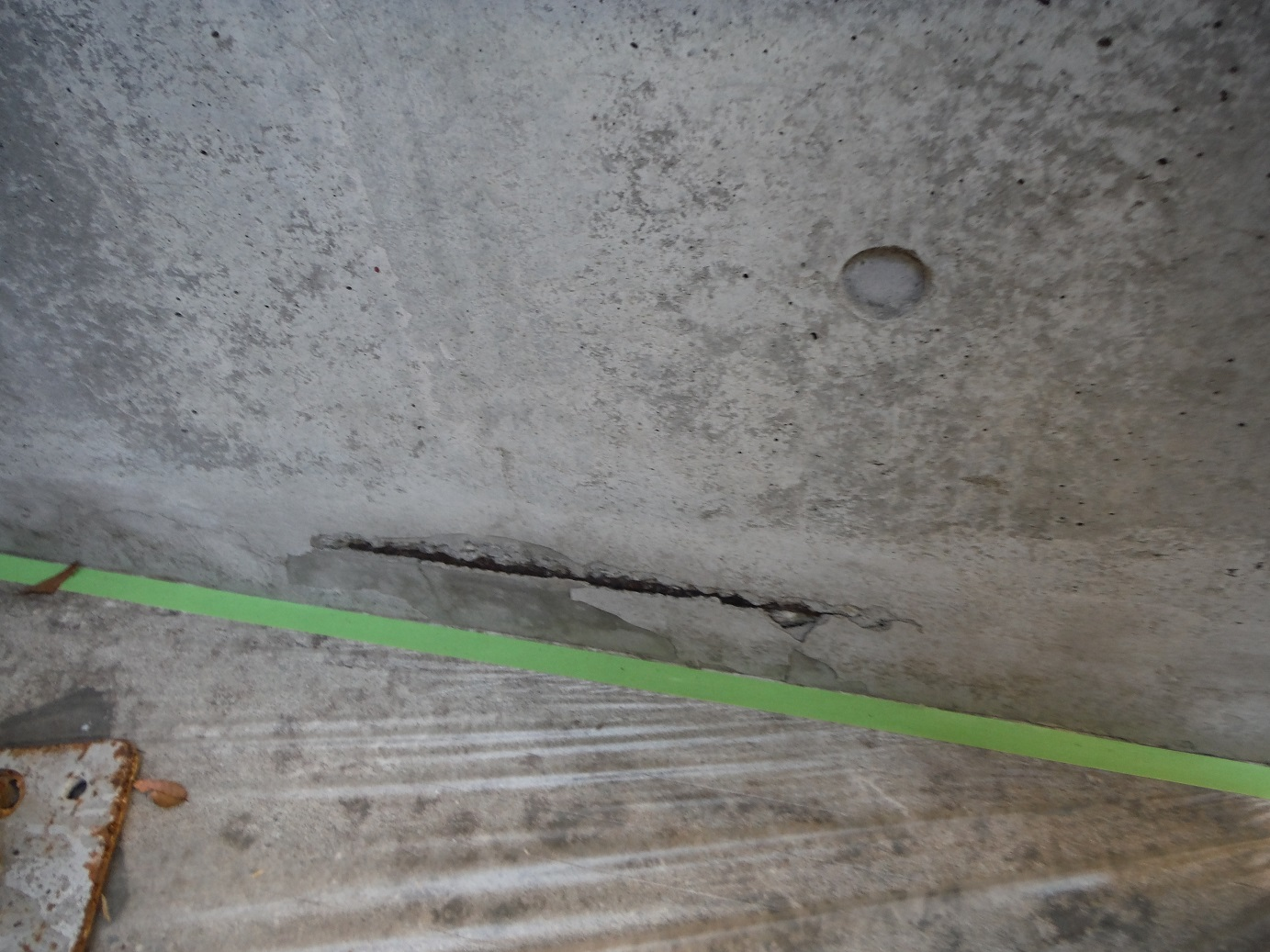 屋根・外壁塗り替え ~ 補修箇所_d0165368_9473622.jpg