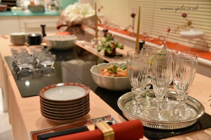 新年ですが。。。大晦日のパーティーのテーブルです(^^;)_b0313387_06272237.jpg