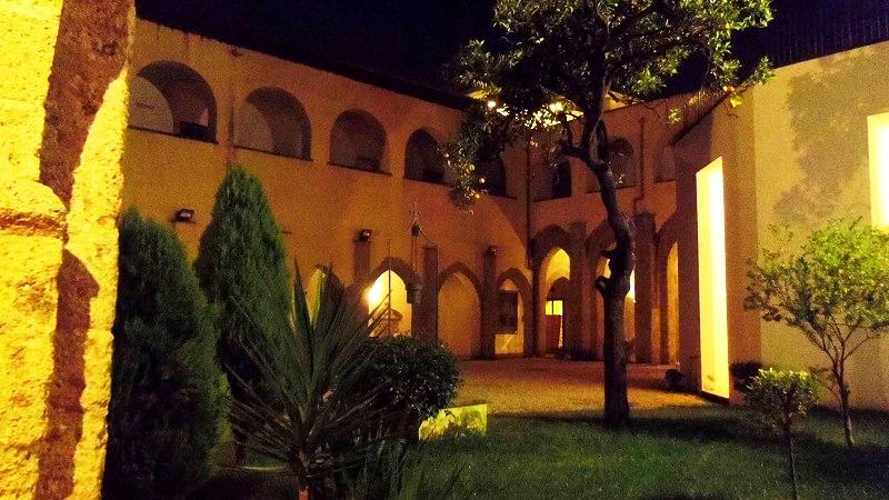 Aversaの町とおにぎり_e0224461_16524412.jpg