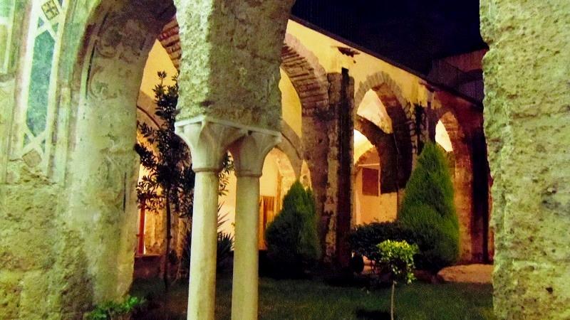 Aversaの町とおにぎり_e0224461_16531461.jpg