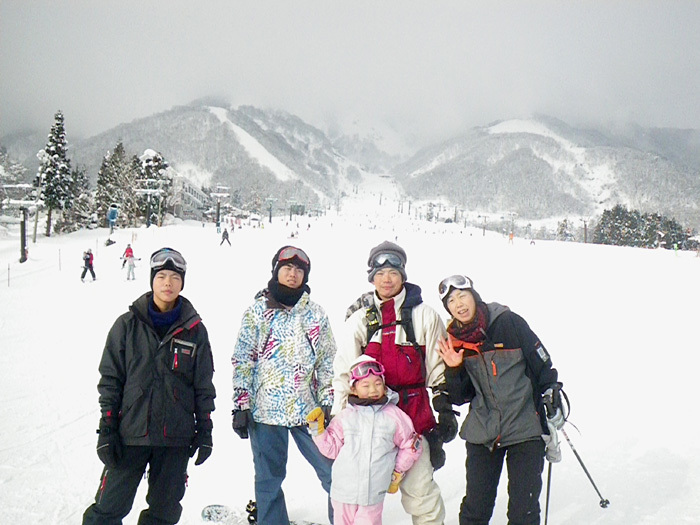 全員で滑って転んで泣いて笑った雪遊び 3日目_c0120834_08575794.jpg