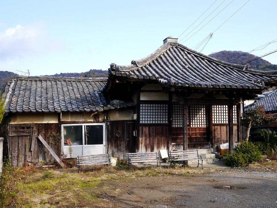 郊外のお寺_b0093754_16475730.jpg