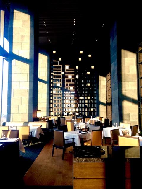 Hotel「アマン東京」でニューイャーディナーを頂きます♪♪♪新春の装いはお着物で!_a0138976_20453420.jpg