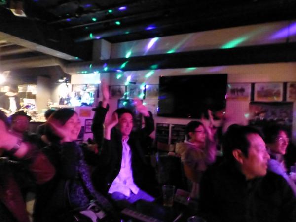 2014年のカラフル年末2デイズライブ、初日のライブレポ♪_e0188087_2227330.jpg