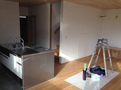 「キッチンを囲む家」の外観が現れました_f0170331_171906.jpg