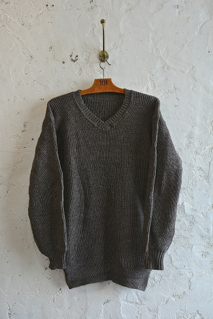 Swedish navy 40\'s v-neck knit dead stock_f0226051_1524193.jpg