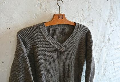 Swedish navy 40\'s v-neck knit dead stock_f0226051_1524398.jpg