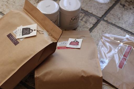 紅茶舗「葉々屋」の福袋とメガ袋_e0170272_2102435.jpg